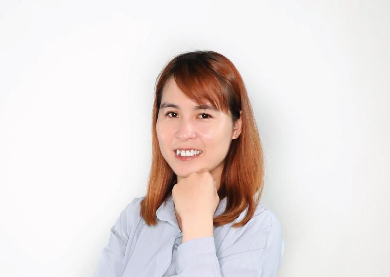 陳麗杏出納組長